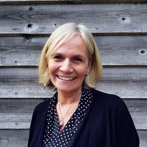 Leicsa Plowman, Director